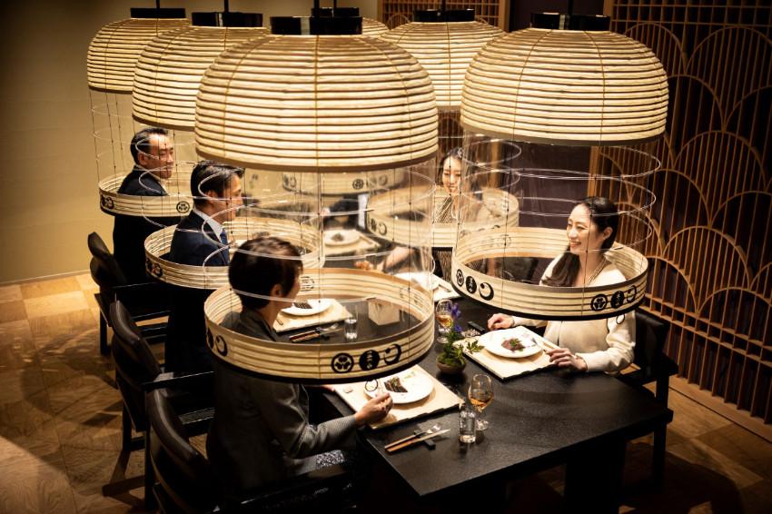 防疫出新招!「虹夕諾雅東京」推出創意企劃「燈籠聚餐」,坐在日式大燈籠裡用餐未免太有趣了吧