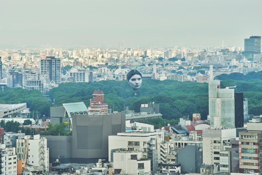 驚悚!東京上空突然出現飄浮人頭?!原來是藝術團隊目 [mé]的作品「MASAYUME」