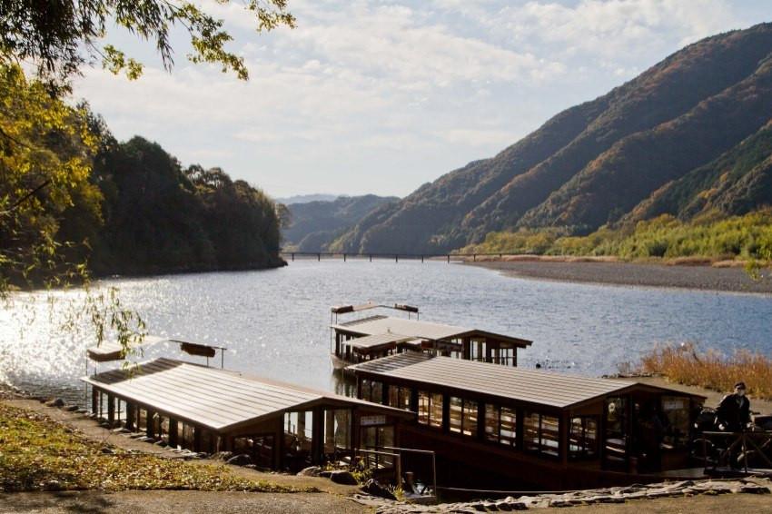 搭著渡輪玩轉九州四國/滑飛索、吃鰹魚,盡享四萬十川美景,高知縣的內行玩法都在這!