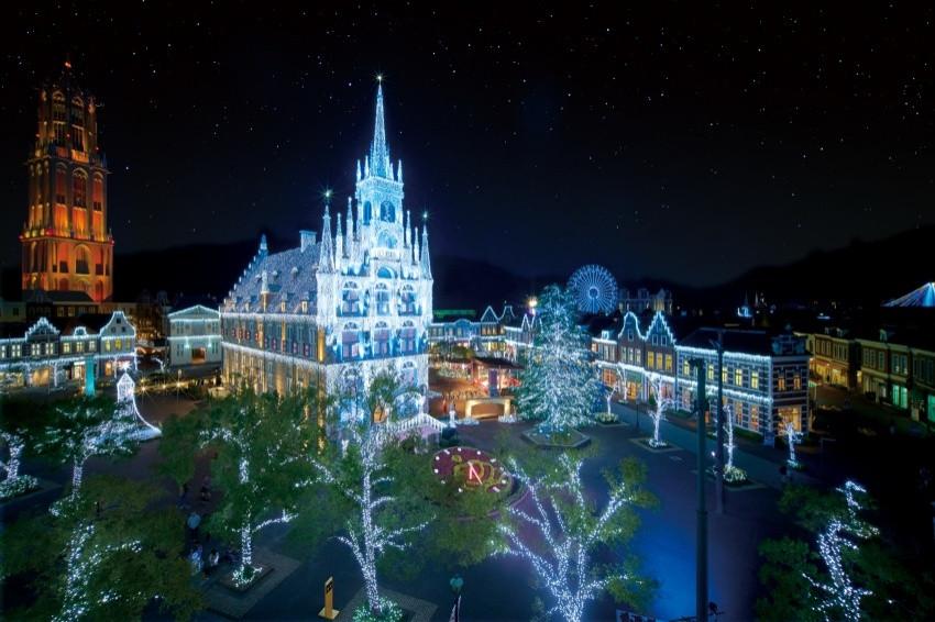 絕美聖誕!豪斯登堡2020年聖誕點燈「光之王國」,1300萬顆燈泡齊綻放,締造和聖誕煙火相互輝映的夢幻美景