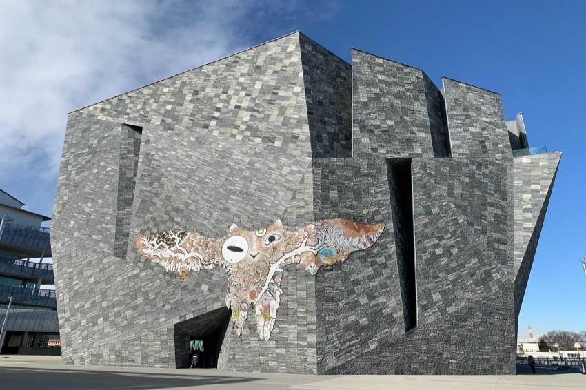 巨大皮革鷹飛翔於博物館外,所澤SAKURA TOWN「阿瑪比埃展」祈願疫情快退散!