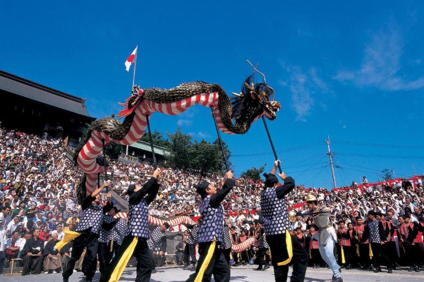 看得到舞龍舞獅的日本祭典!「長崎宮日節」融合異國文化,呈現獨一無二的祭典特色
