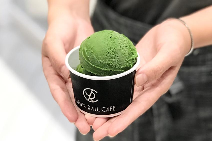 抹茶控手刀衝了!世界最濃抹茶冰淇淋「ななや」快閃前進京站、南港,快來挑戰濃度最高7號冰!