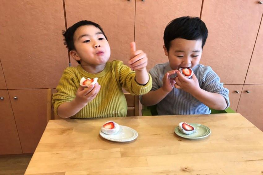 自己的大福自己做!因應疫情,神奈川老字號和菓子專賣店「菓子匠 末廣庵」推出大福手作體驗禮盒,在家也能享用剛出爐的大福甜點。