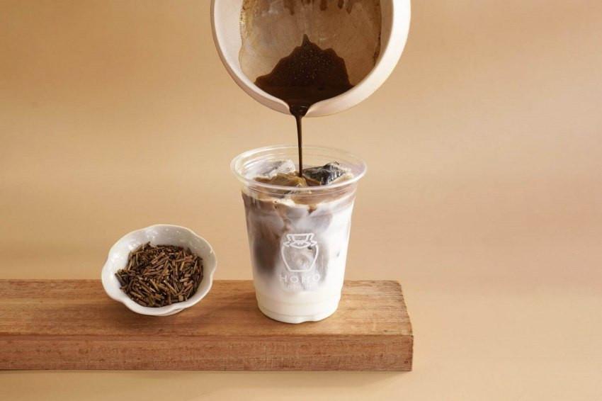 日本茶中毒者必訪!京都唯一的焙茶專賣店「HOHO HOJICHA」準備快閃東京、大阪了!選用宇治頂級茶葉的焙茶飲品、超濃厚焙茶蜂蜜蛋糕一定要試!