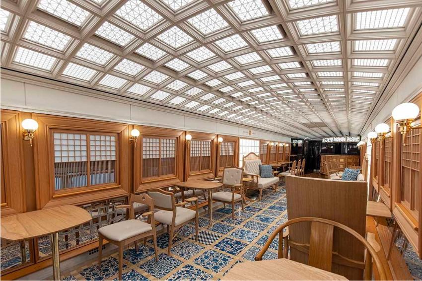 一秒穿越到大正時代!直擊九州觀光列車「36+3」懷舊裝潢,拼接磁磚、復古布料椅套營造高質感搭乘體驗